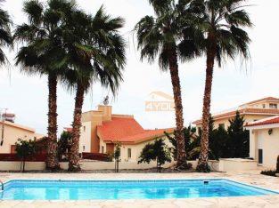 4 Bedroom Coral Bay Villa